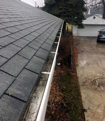 Local Area Gutter Cleaning Services nearby Royal Oak, Birmingham and Troy MI